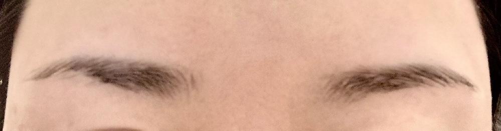今日初めて眉毛サロンに行ってきました。 ナチュラルな感じの太め眉が好きなので、パウダーでふわっと