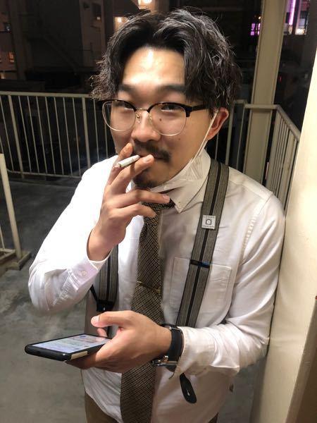 オズワルドの伊藤さんがかけている眼鏡が欲しいのですが、どこのブランドの物かわかりません。 わかる人がいらっしゃいましたら、教えていただきたいです。