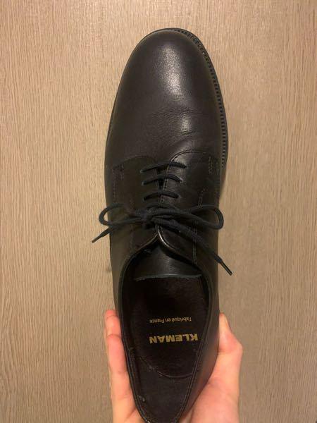 こちらの革靴を就活で使うのアリですか? クレマンの革靴です。 回答よろしくお願いします!