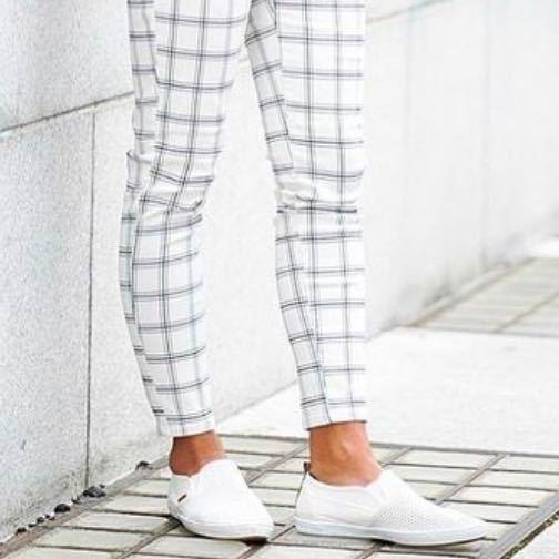 この靴の名前教えてください!