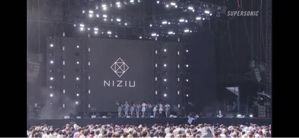 Niziuのライブの観客の人数と今のご時世を考えてどう思いますか?