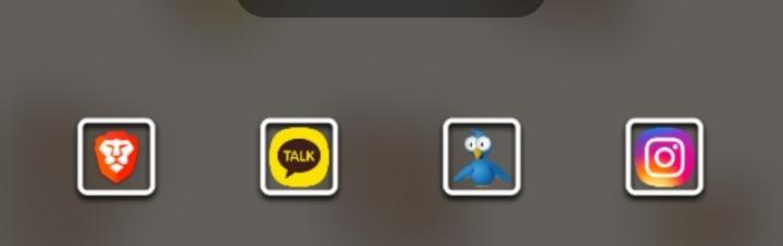GALAXY note10+使用中です。 ナビゲーションの履歴ボタン?(3本線)を 押すと画像の最近使っていたアプリが表示されますがこれを非表示にする方法ありますか?