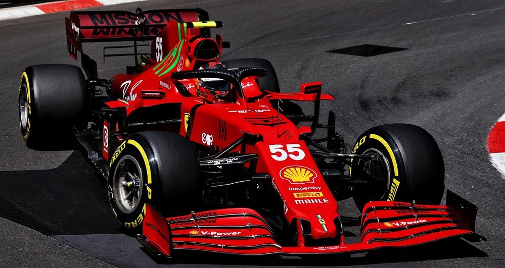 F1のメルセデスとフェラーリのパワーユニットの馬力差は30馬力だとフェラーリがマウントするコメントがあったのですが。 ・・・・・・・・・・・・・・・・・・・・・・ よく分からないのですが。 たったの30馬力の差なのになぜフェラーリは勝てないのですか。 と質問したら。 そのたったの30馬力の差が大きい差。 という回答がありそうですが。 確かに100馬力のクルマと130馬力のクルマだったら大きな差だと思いますが。 ですが1000馬力を超えるパワーユニットに30馬力の差てあるのですか。 1030馬力のメルセデスと1000馬力のフェラーリて微々たる差だと思いますが。 それはそれとして。 メルセデスが1030馬力。 ホンダが1015馬力としたら。 フェラーリが30馬力差でメルセデスに勝てないとしても。 なぜフェラーリとホンダはたったの15馬力しかないのになぜフェラーリはレッドブルに勝てないのですか。