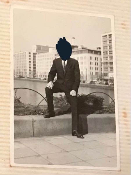 私の祖父の写真ですが、この写真の撮影場所分かる方いらっしゃいますか。 東京ということしかわからないのですが…。