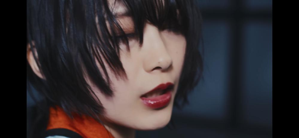 昨日出た櫻坂46「Dead end」の森田ひかるちゃんのメイクを教えて欲しいです! アイシャドウとリップで色味が近いものがあれば知りたいです。 メイクに疎いので詳しい方よろしくお願いします!