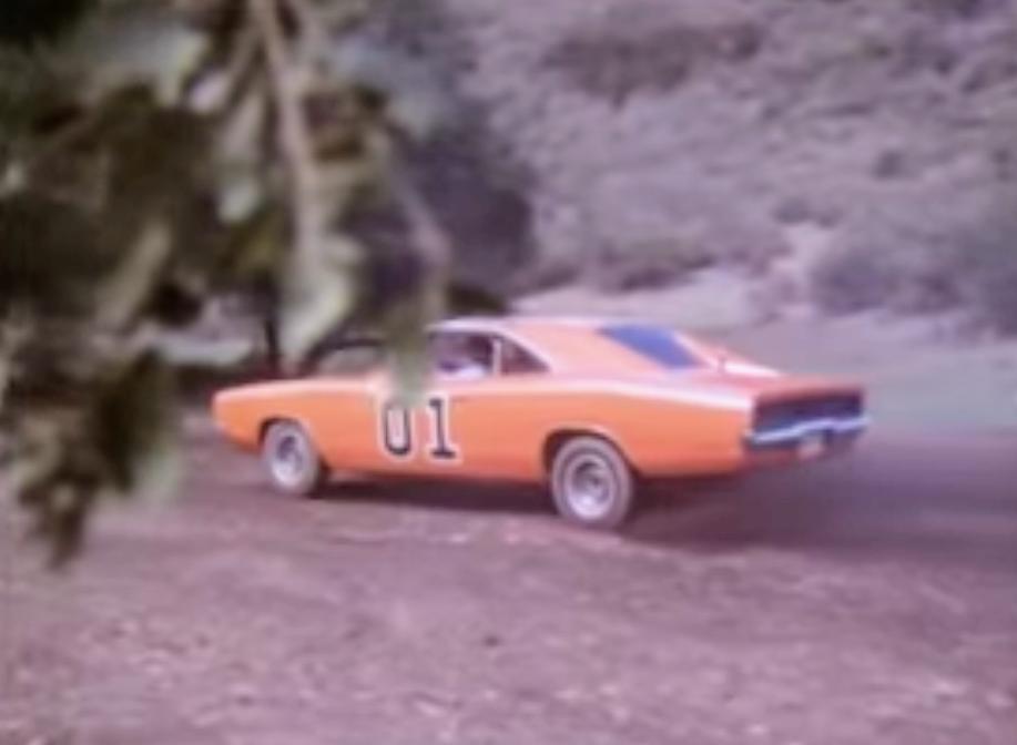 画像の車の名称は判りますか?