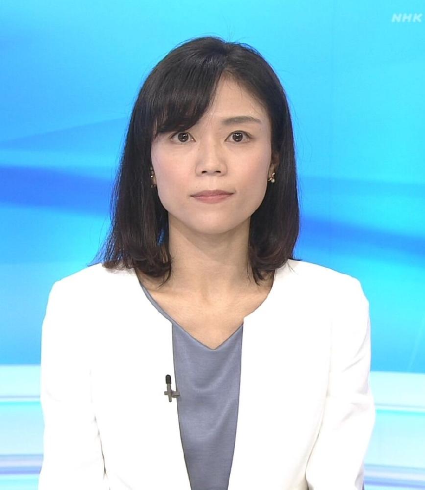 質問です。 1. 昼のニュースの中山果奈アナ、白のジャケットにラベンダーのインナーは素敵でしたか? 2.可愛さ度は如何でしたか(100点満で)? (◆danさん用◆)