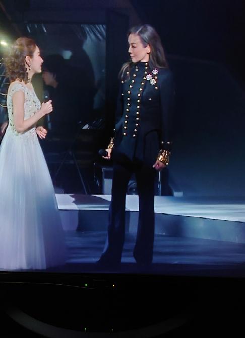 エリザベートガラコンのアニバーサリーバージョンを見ていますが、フランツ役のこの方は誰ですか?
