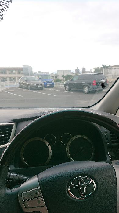 車の名前教えてください!黒いやつです