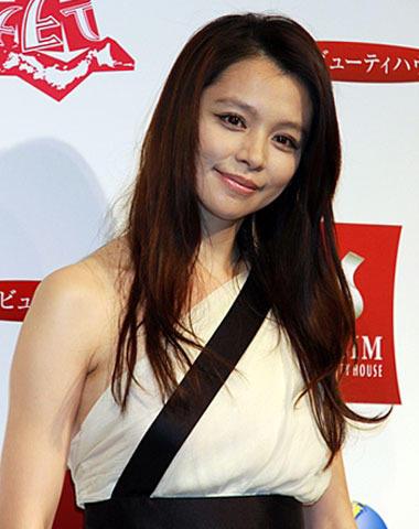 ビビアン・スーは倖田來未の妹のmisonoに似てないですか?