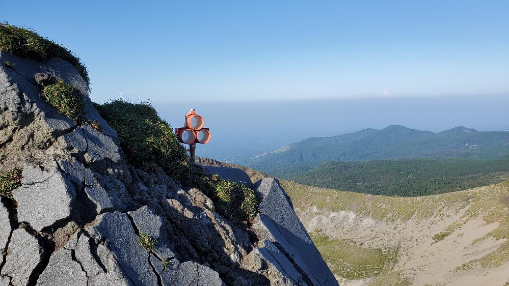 宮崎県の高千穂峰に登る途中、画像のものがありました。なんのためのものでしょうか。 登山 山道