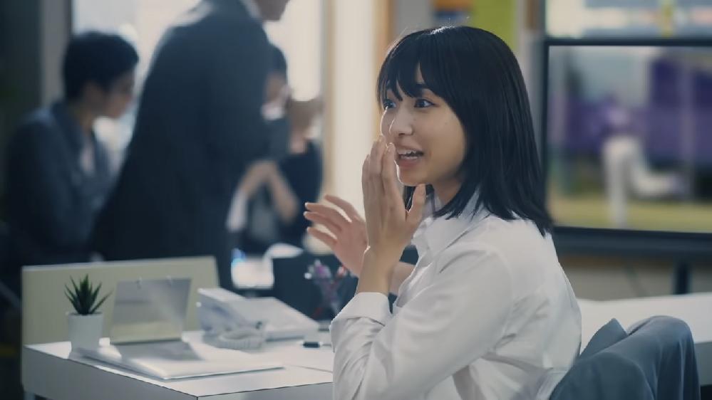 ファンモンの新曲(エール)に出てくる千鳥大悟さんの同僚役の女性の名前を教えてください