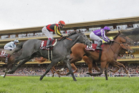 【競馬】日本の馬は海外と比べてレベルが低いのでしょうか? https://cdn.mainichi.jp/vol1/2021/10/04/20211004k0000m050002000p/9.jpg  世界最高峰レースの一つであるフランス競馬の第100回凱旋門賞(GⅠ、芝2400メートル)は3日、パリロンシャン競馬場で14頭が出走して行われ、有馬記念などGⅠ4勝のクロノジェネシス(5歳牝馬)...