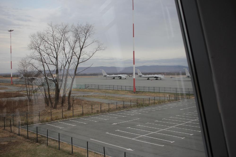 この正面に並んでる2機の機体はなんという機種なんでしょうか? 2019年、ウラジオストク空港です。