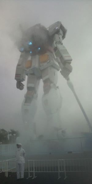 このガンダム。加工なしの写真でしょうか? 2010年・静岡で撮られた写真とのことです。