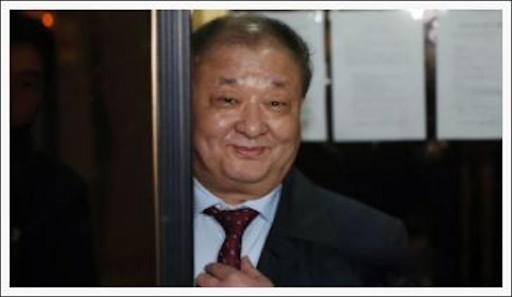 強制徴用賠償で韓国政府の「代位弁済」提案に駐日韓国大使「良いアイデア」 https://news.livedoor.com/article/detail/20992236/ 強制徴用被害者に対し韓国政府が代位弁済するのはどうかとの提案が韓国政界から出た。韓国政府が先に被害者に賠償し、後から日本企業に請求しようという内容だ。 これに対し姜昌一(カン・チャンイル)駐日韓国大使は「良いアイデアだ。韓国政府もそれをひとつの案として真剣に検討しているものと承知している。私も努力するが国会も助けてほしい」と答えた。 皆様はどのように思いますか??