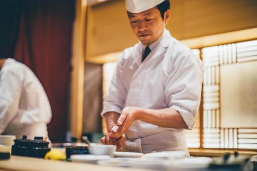 寿司屋のメリットってなんでしょうか?行かなくても死にはしないし、本当に行きたいなら かっぱ寿司やスシローに行った方がいい とか。