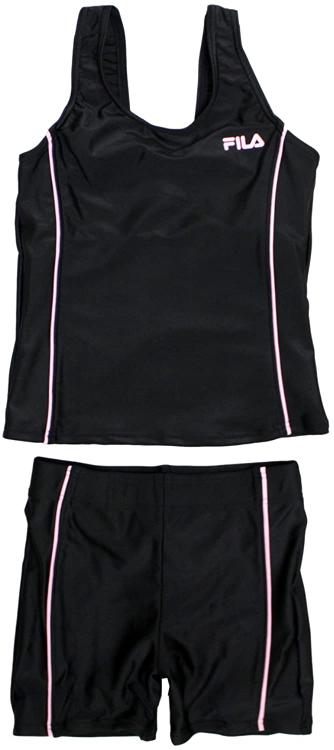男がこの女の子の黒色とピンク色のスクール水着の下を履いたら違和感ありますか?