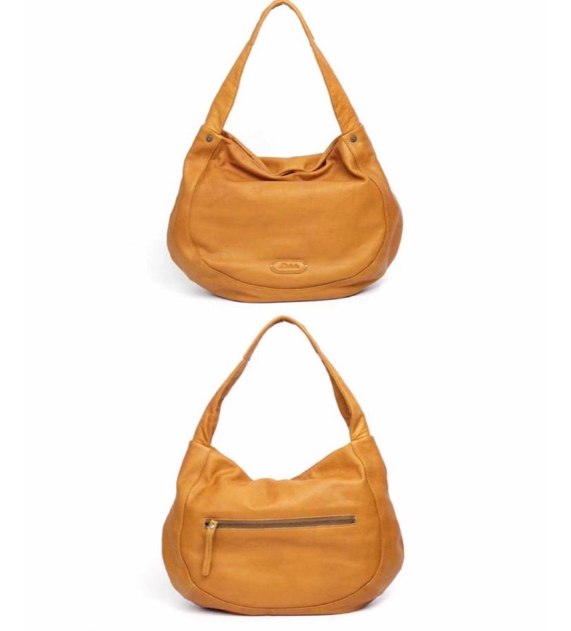 この形のバッグを探しています! ワンショルダーで丸みのある形の レザーバッグ 写真はダコタのバッグですが 予算オーバーで…近いものを探してます… ブランドじゃなくても大丈夫です! よろしくお願いします!