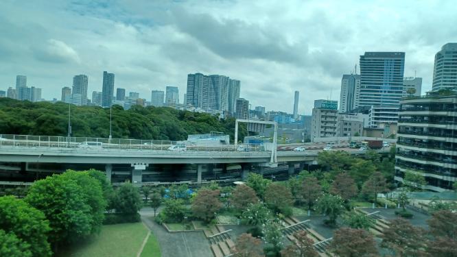 お前等は東京は都会だと思いますか。 私は東京は都会だと思います。
