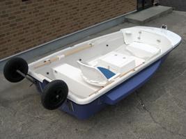 神奈川県、東京都の海で ポータブルボート2馬力エンジンを下ろして 釣りができる場所はありますか? 近くにあれば、買おうと思っています。 釣り好きな方、すでに楽しんでいる方、教えてください。