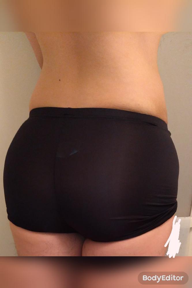 お尻を大きくしたいのですが、これは大きいでしょうか?大きく見えますか? 本当はスパッツじゃなくよく見える物で撮影したい。。