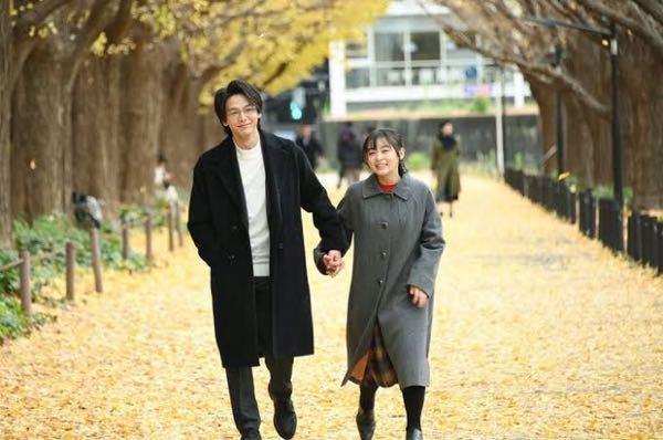 ドラマ『この恋あたためますか』で井上樹木役の森七菜さんが着用していたこちらのグレーのコート。 どこのブランドのものかわかる方がいらっしゃいましたら教えていただきたいです。 よろしくお願いします。