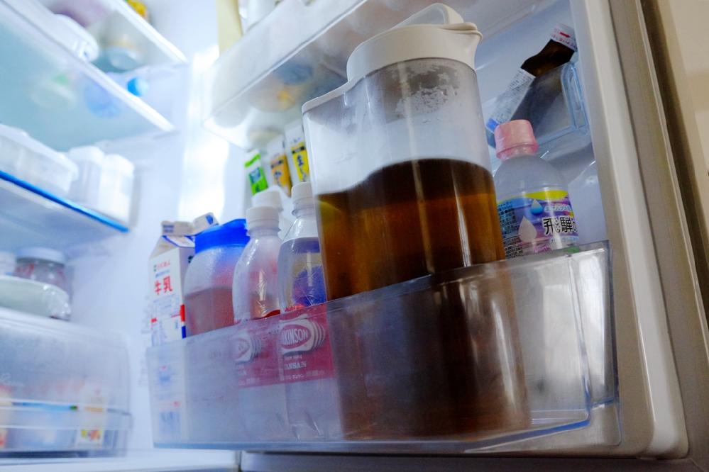 麦茶など冷蔵庫に常備する冷たいお茶って いつまで作っていますか? 急に寒くなったのでみなさんどうされてるか質問です(*ˆ꒳ˆ*)