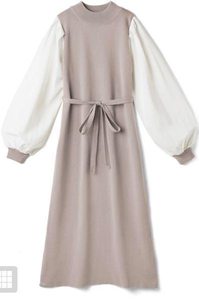 この服に似合うアウターはどんなのがありますか?? 生地はニットで、色は一応ベージュという記載ですがピンクも入っています。よろしくお願い致しますm(_ _)m