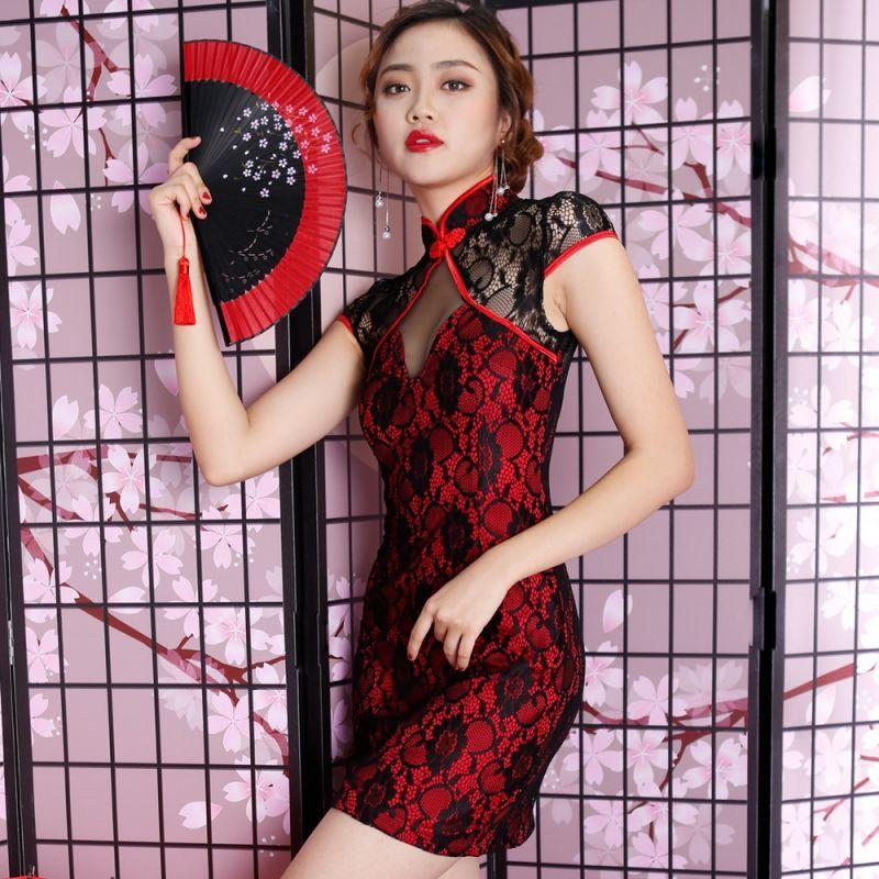 日本の知的で上品な紳士の皆様はこういうエロい感じの中国人女性に騙されて偽物の高級時計を買いますか?