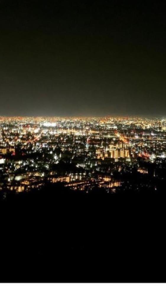 これは、どこの夜景か、わかる方、教えてください。