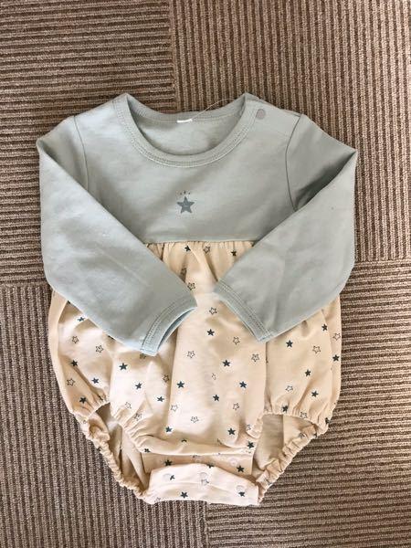 この形の赤ちゃん服は、冬はどうやって着せたら良いでしょうか?この上にカバーオールを重ねるのでしょうか?
