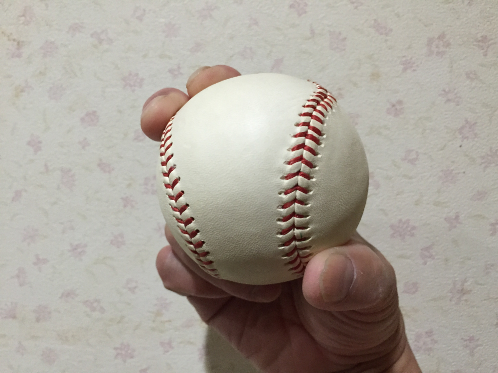 変化球には速い変化球と遅い変化球があります。 速い変化球と遅い変化球を分類すると次の通りで良いですか? 遅い変化球⇨カーブ、シンカー、チェンジアップ、パームボール、ナックルボール 速い変化球⇨シュート、スライダー、フォークボール