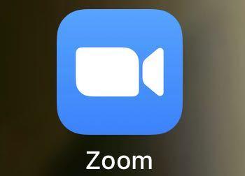 初めてzoomのアプリを使うのですが(スマートフォンからです。)これはヘッドセット または マイク付きイヤホンとか必要でしょうか?無しでも相手に声が届きますか?
