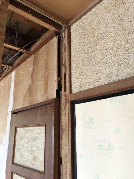部屋の壁に石膏ボードをかぶせる場合につきまして、 洋室、和室を繋げて一部屋にしているのですが、壁面に段差があります。 (奥→洋室:土壁+胴縁+合板、手前→和室:土壁) フラットにする場合、洋室側の合板を剥がした方がやりやすいでしょうか? 洋室側は合板のまま和室だけを石膏ボードにすると不揃いな箇所が出てきますでしょうか。 ご回答よろしくお願い致します。