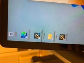 Windowsのこの画像のようにノートン360というやつ以外のファイルは消しても大丈夫ですか?