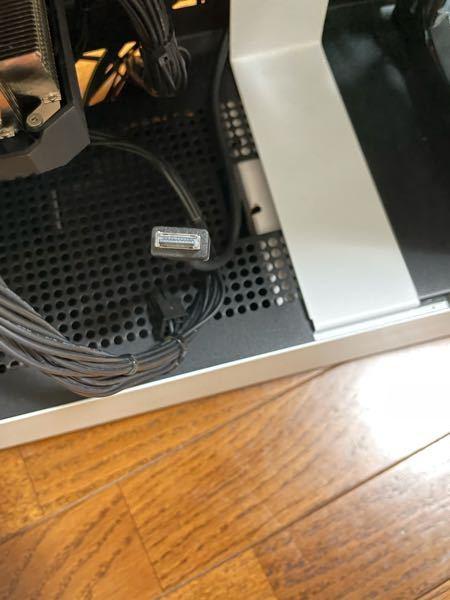 自作pcを組み立てているのですがこのケーブル(おそらくusb3.1gen2?)の差し込み口がどこにも見つかりません。 ケースNZXT h510 ELITE マザーボード ASUS prime B450 M-A を使用しています。 変換ケーブルなどが必要なのでしょうか?