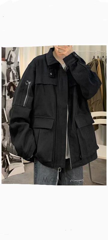 高校生(男)です。 このジャケットってダサいですか? 母に止められて買うか迷っています。 率直な意見をお願いします。
