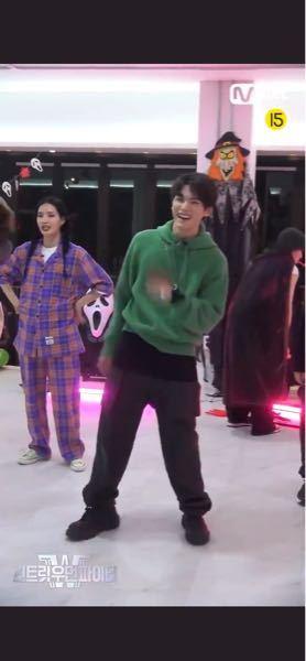 テヨンのこのスウパのヘイママ踊ってるやつってどこで見れますか