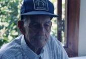 「 なぞなぞ 」です   99才の老人男性が 毎日、逆立ちの練習していたら 若返りました。  どうしてでしょうか?
