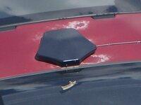 車のクリアはげ補修で教えて下さいo(ToTo) 8年式エスティマ何ですが年式相応で塗装(ルーフ)のクリアが剥離して画像のように白く浮いてきていますo(ToTo) あまり目立つので地デジアンテナ乗っけて...