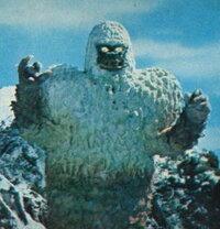 第25話「怪彗星ツイフォン」 ウルトラマン  冷凍怪獣 ギガス ただのゴリラにしか見えない。。感想を。。