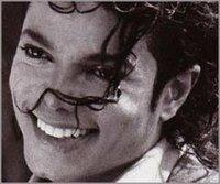 マイケルジャクソン TII放映前の特番『蘇る マイケルジャクソン 伝説24連発』をご覧になられた皆様★    ズバリ、特番の感想を教えて下さい(^人^) 日 本の⑤才のダンス少年可愛いかったですね(#^^#) ホテルの床がマイケルの汗で水浸しになっていたエピソードにはマイケルがいかに努力家だったかが伺えますね。真琴さんの演じるマイケルは唯一カッコ良かったですね★東山さんも以前番組で、コンサー...