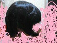 中2女子です☆ くせ毛について(T。T) こんにちは(^^)  くせ毛で悩んでいる中2女子です・・・・。  画像を見ていただきたいんですが、ものすっっごいくせ毛なんです(泣)  朝、髪の毛ぬらしてドライヤーで...