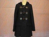 このコートどう思いますか??? 中3女子です。  イングの福袋にダッフルコートが 入っていましたが・・・・  色は黒でなんか高校生とか学校行くとき きてそうだな~と思いました。  でもせっかく入って...