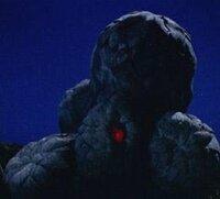 ウルトラセブン ザンパ星人 ペテロ 第35話 月世界のせんりつ  セブンが出てきた途端に 光線から水のようなものへ 攻撃を替えましたが、 あれはただの水ですか?  あの極寒の世界でのっけから水攻撃なんて、 まるで、セブンの出現と弱点を 最初から知っていたように感じるのですが。 キリヤマ、クラタ、両隊長への復讐だけでなく、 ザンパ星人は、最初からセブンへの対応も してい...