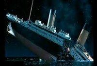 タイタニックが沈没した際に二つに折れるシーンがありますが、折れた時に前部と後部が完全に切り離されていたら後ろの部分はもう少し浮いていたでしょうか?