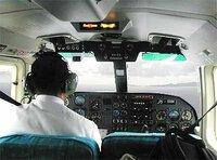 スロット打つ人の事を スロッターって言いますよね?   だけど スロッターって、(椅子(操縦席)に座って 手先を器用に使い レバー叩いたり メダルを 入れたりしますよね   なんか端から見ると飛行機のパイロット(操縦士)みたいですよね?  だから スロッターって呼称をやめて   パチスロ 5号機のパイロットって呼んだ方が良くないですかね?  スロッターよりカッコいいと思うんですが  ×スロッ...