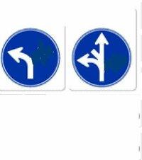 truckcountさん   補助標識がなければ、一方通行の入り口ですから右折はできます。 右折できない交差点は下記のような、指定方向外進行禁止の標識がありますka? http://detail.chiebukuro.yahoo.co.jp/qa/ques...
